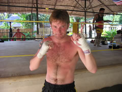 Losing weight by training Muay Thai.